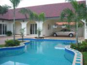 House for rent East Pattaya 3 bedrooms 3 bathrooms 380 sqm land 1 storey 50,000 Baht per month