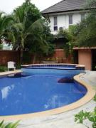 House for rent East Pattaya 3 bedrooms 3 bathrooms  2 storey 20,000 Baht per month